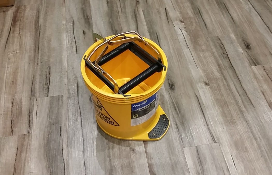 Busy-Bee-Brushware-Oates-Contractor-Winger-Mop-Bucket