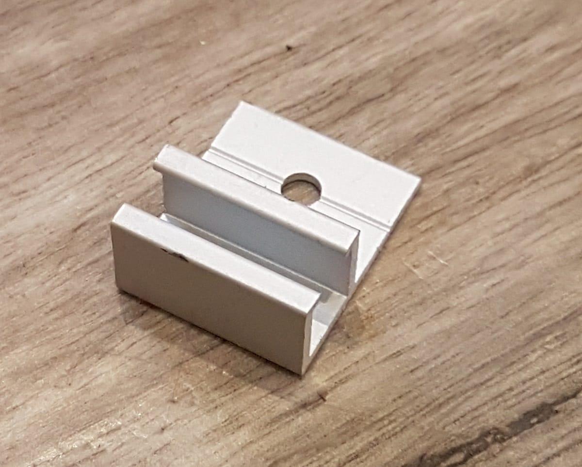 Busy-Bee-Brushware-F-Aluminium-Clip-1